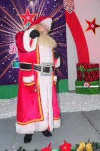 Santa estará presente alegrando a todos los niños/as