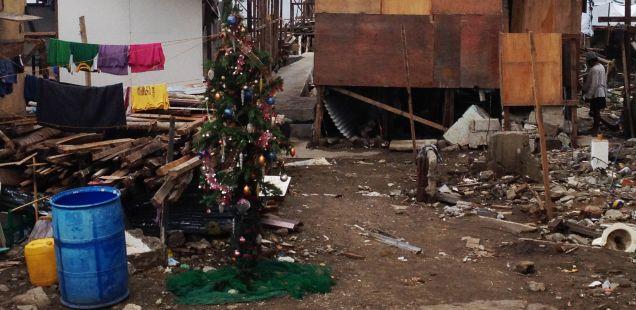 fuente-externa-pobreza en navidad