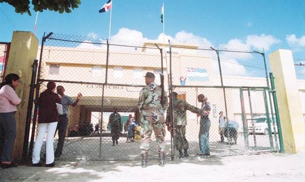 Confirman cuatro casos positivos de coronavirus en la cárcel de La Victoria
