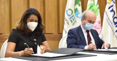 Firma de Acuerdo de colaboración entre CONANI e INAIPI