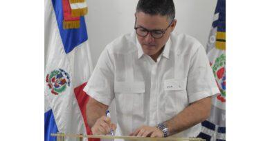 """Funcionarios y colaboradores de Autoridad Portuaria firman """"Compromiso de Ética Pública"""""""