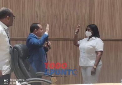 ANGELA MARIÑEZ, FUÉ JURAMENTADA COMO REGIDORA SUSTITUYENDO AL EXTINTO FAUSTO AQUINO (PAPITO) ASDE